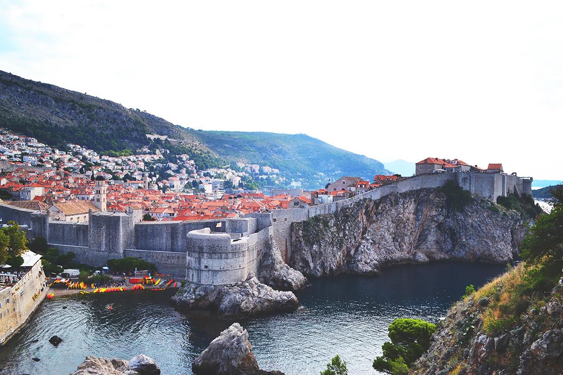 Vue sur la cité fortifiée de Dubrovnik