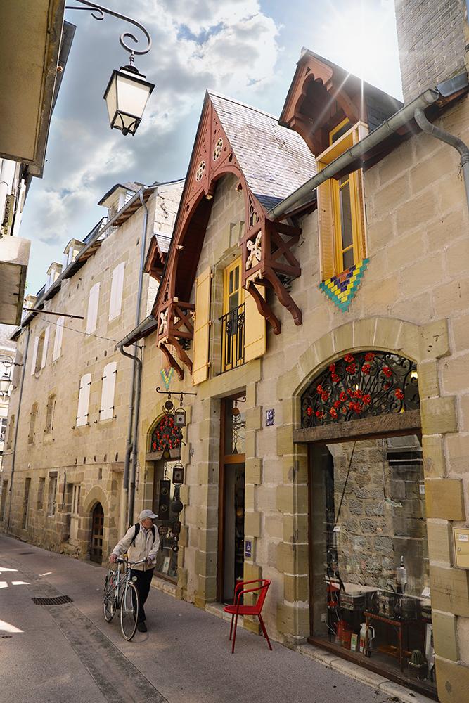 Facade-Rue-de-Brive-la-gaillarde