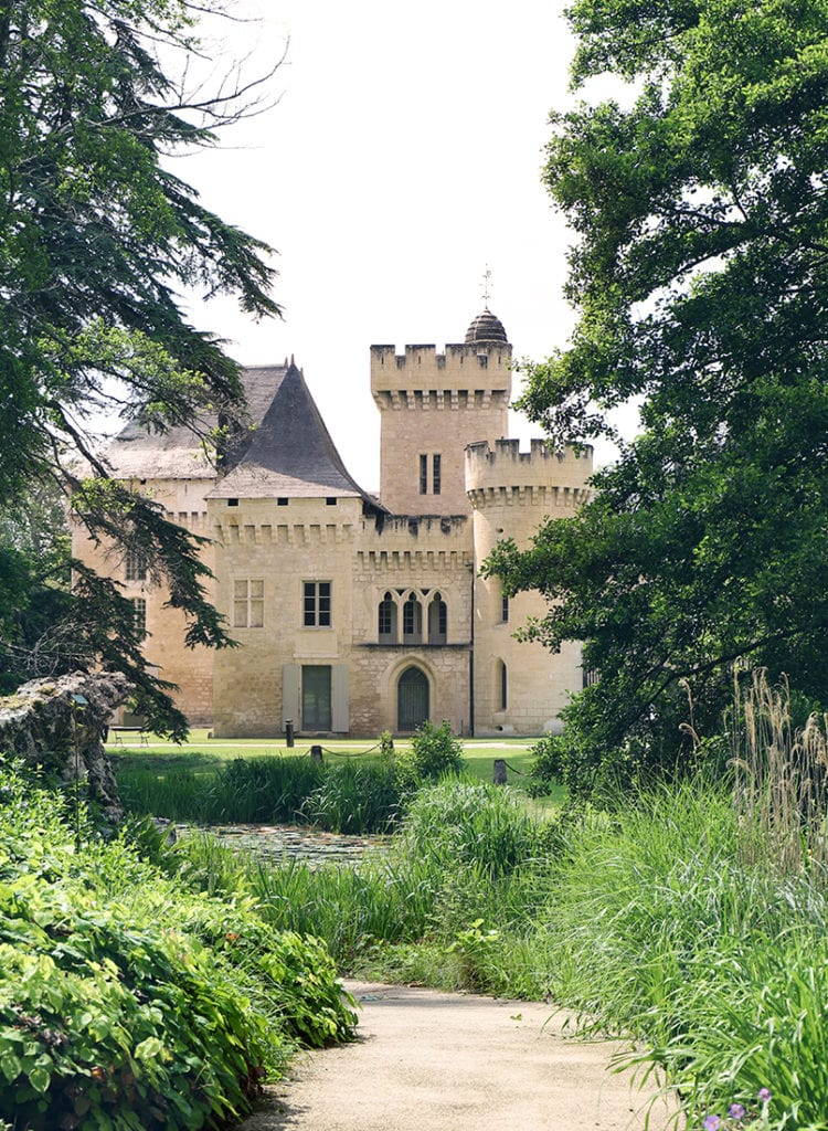 Allee-Parc-Chateau-de-Campagne-Dordogne