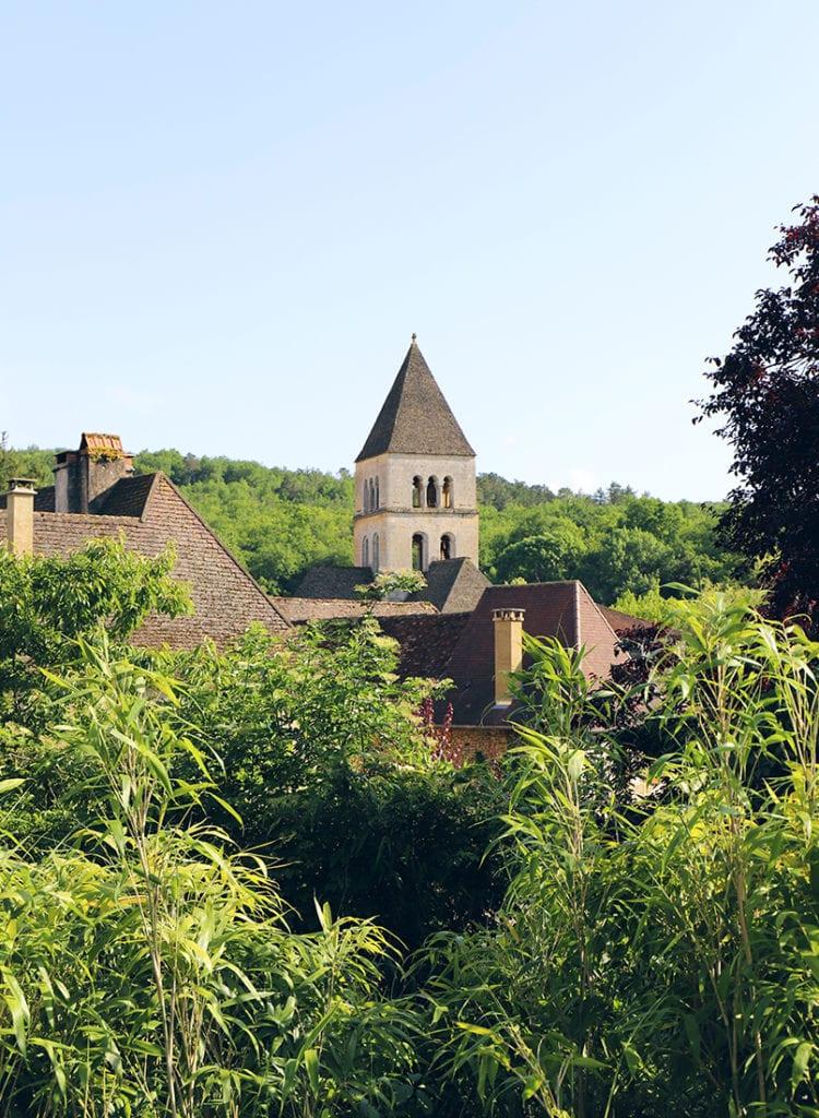 Vue-sur-le-village-Saint-Leon-sur-Vezere
