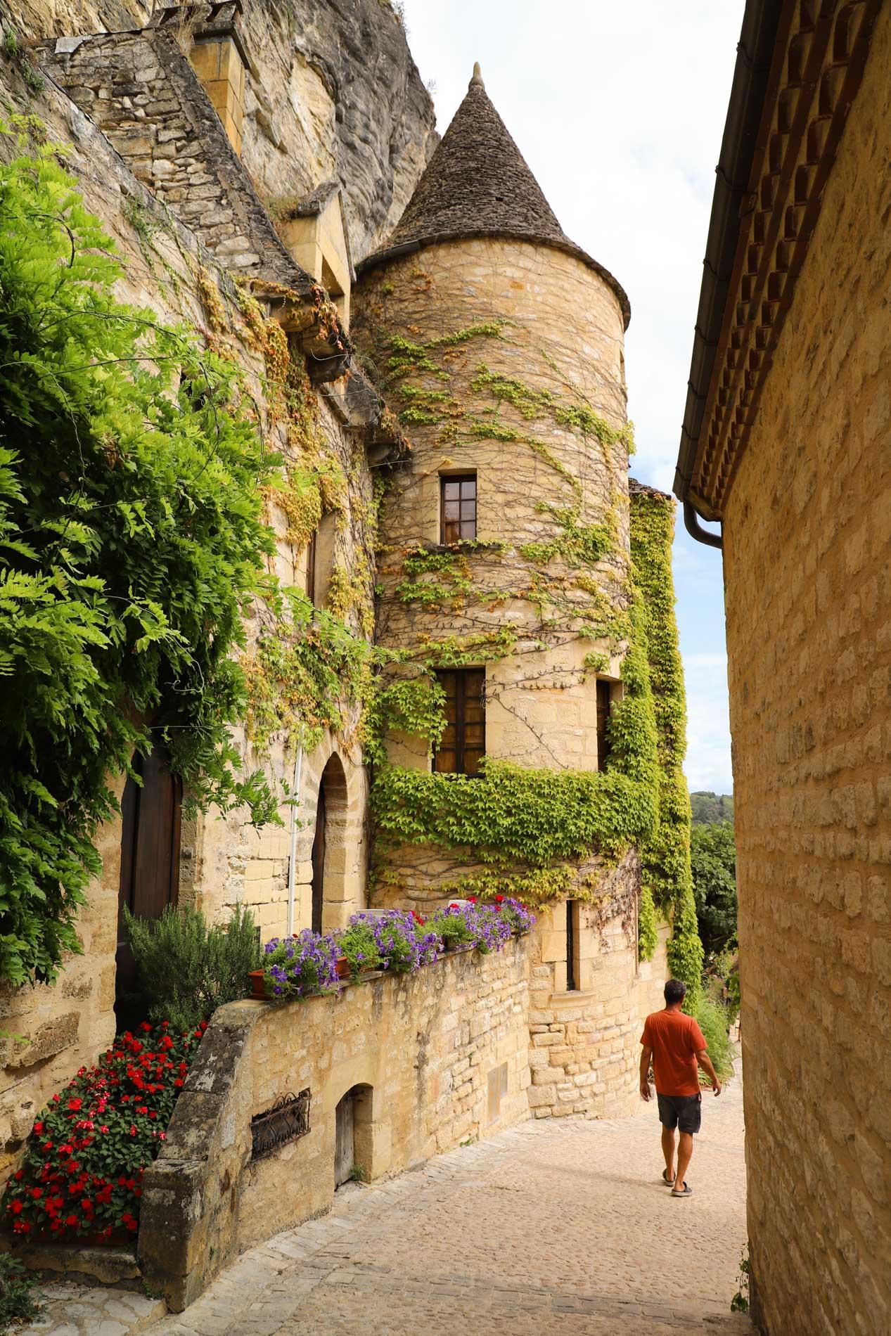 La Roque-Gageac et ses jolies maisons