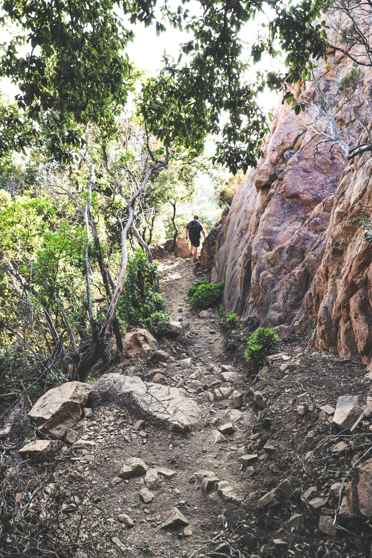 Chemin de randonnée en Corse