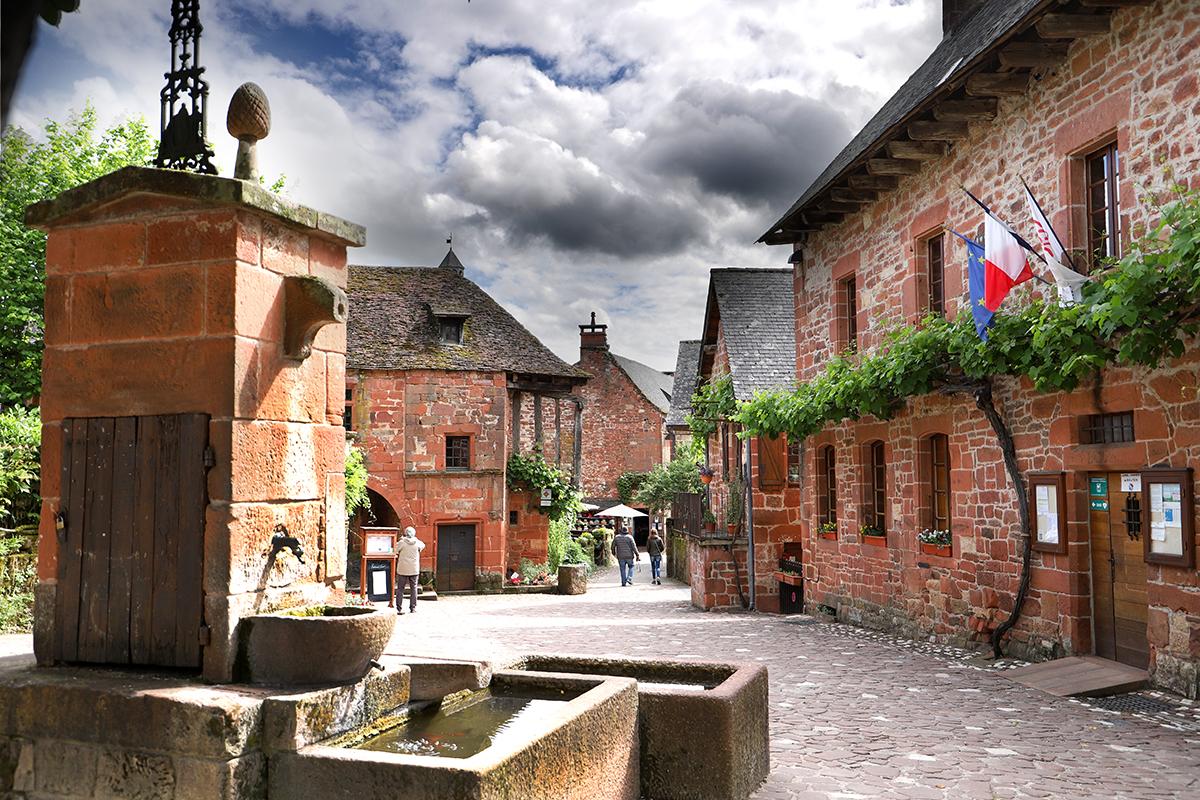 Fontaine de la Mairie à Collonges