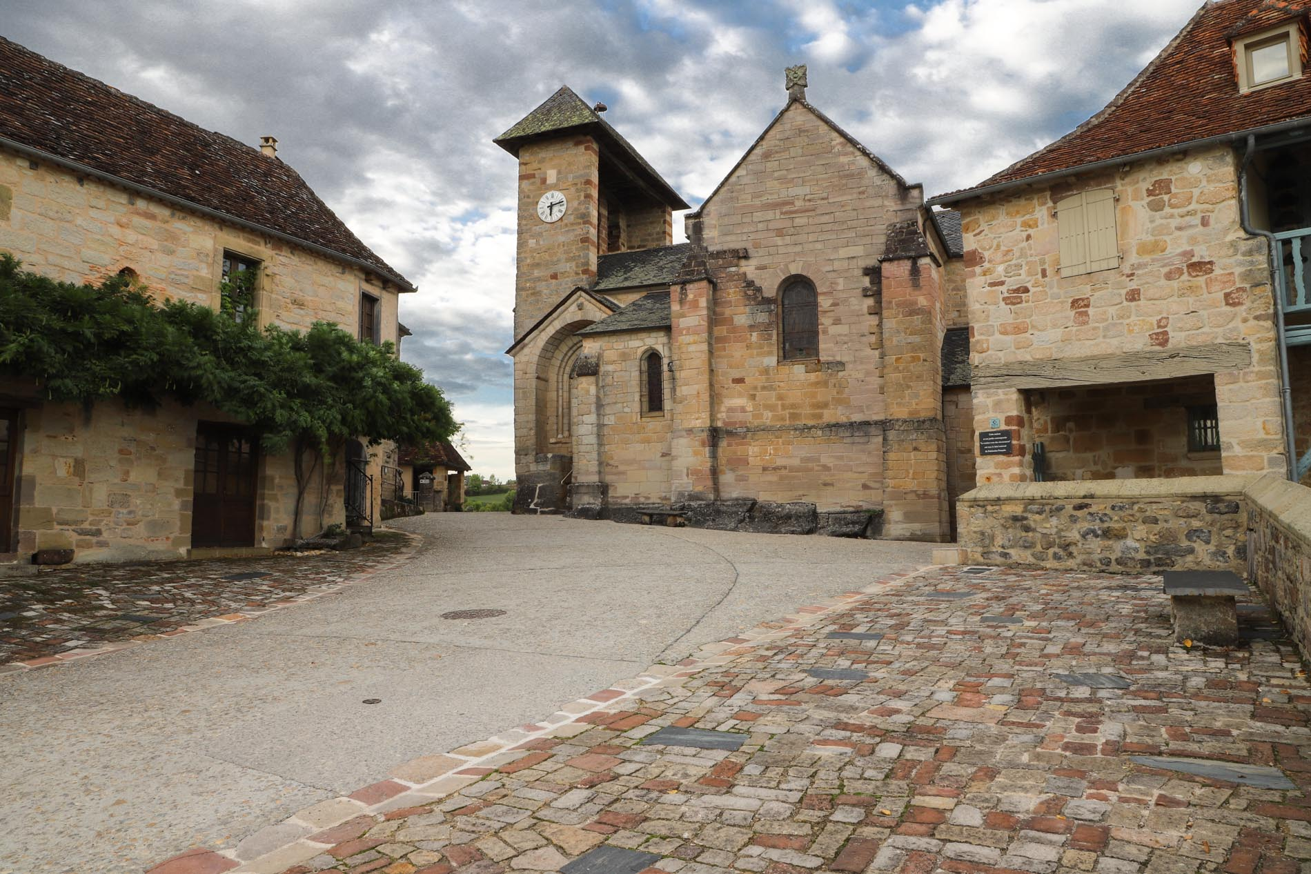 Eglise Saint Barthelemy Curemonte