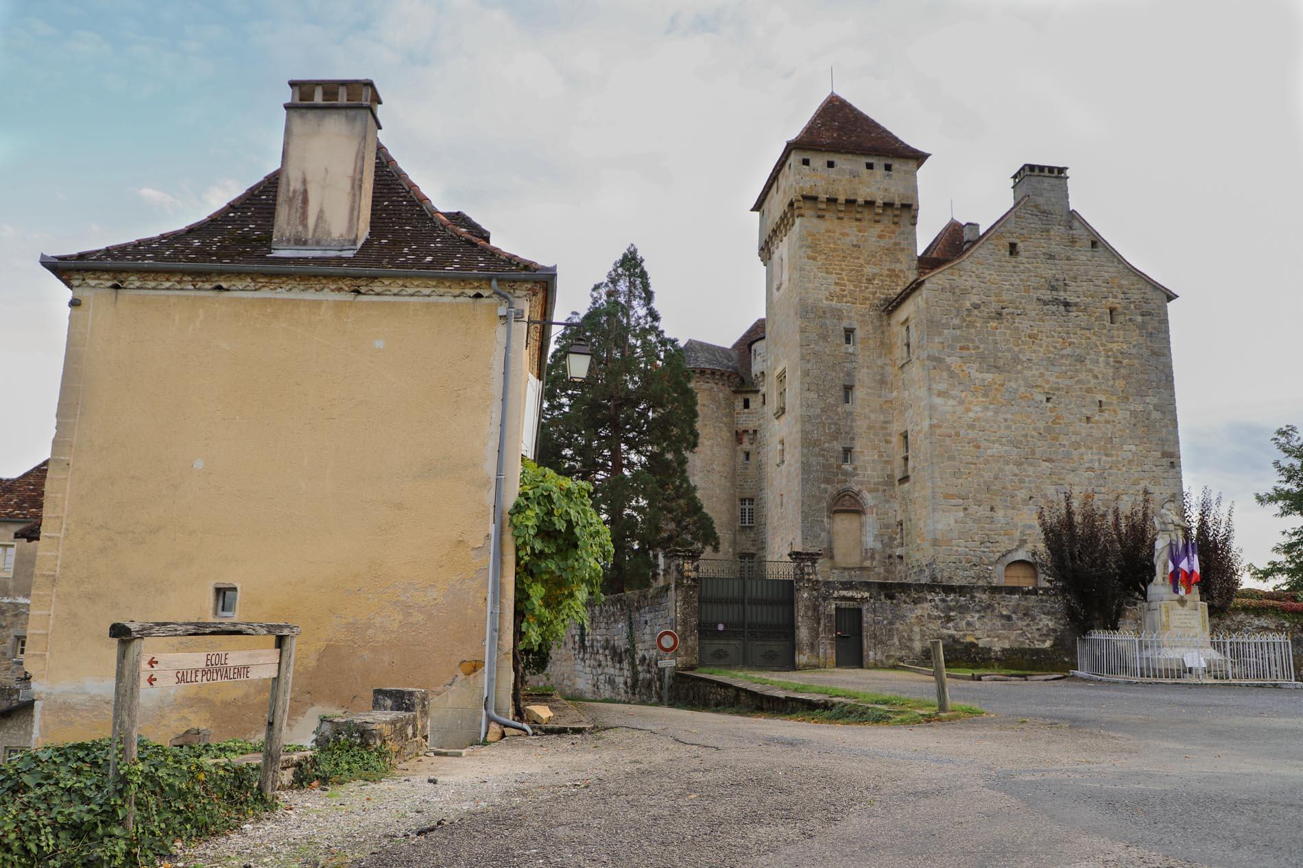 chateau medieval de Saint Hilaire Curemonte