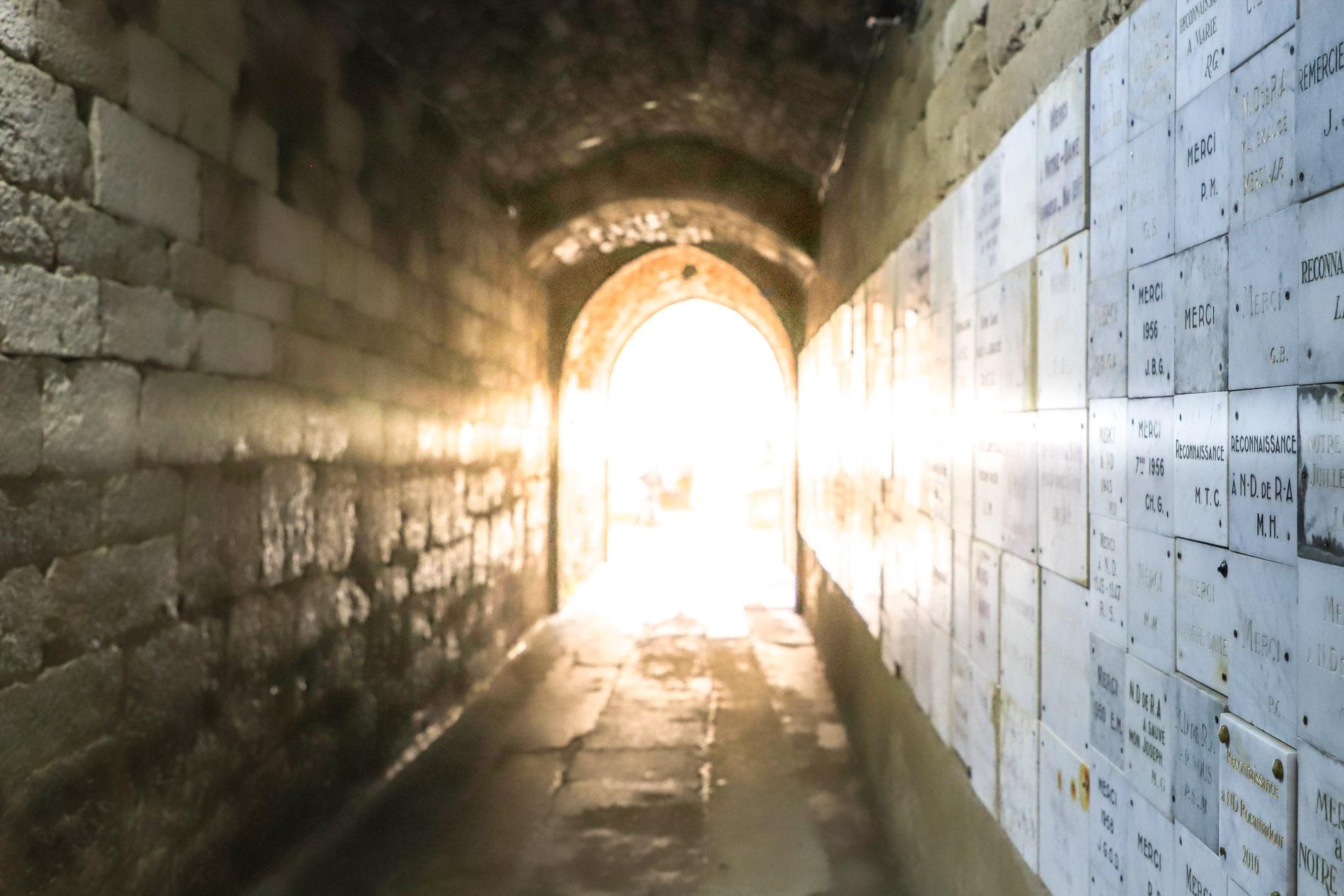 tunnel-sous-basilique-Saint-Sauveur