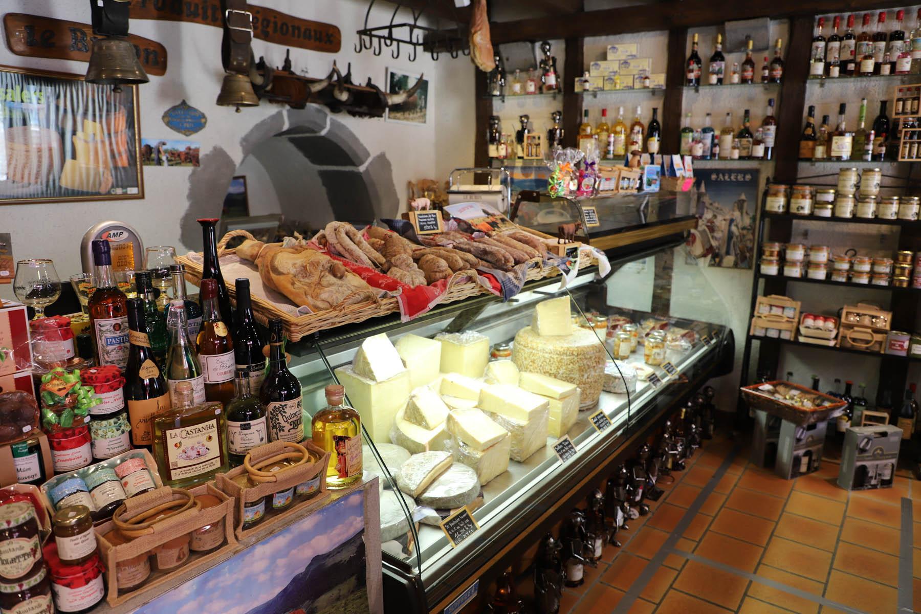 que-visiter-a-Salers-Cantal