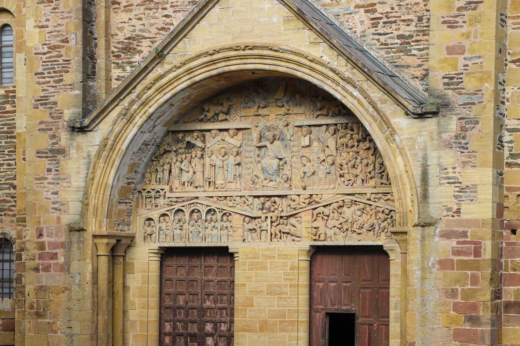 Visiter-Conques-Tympan
