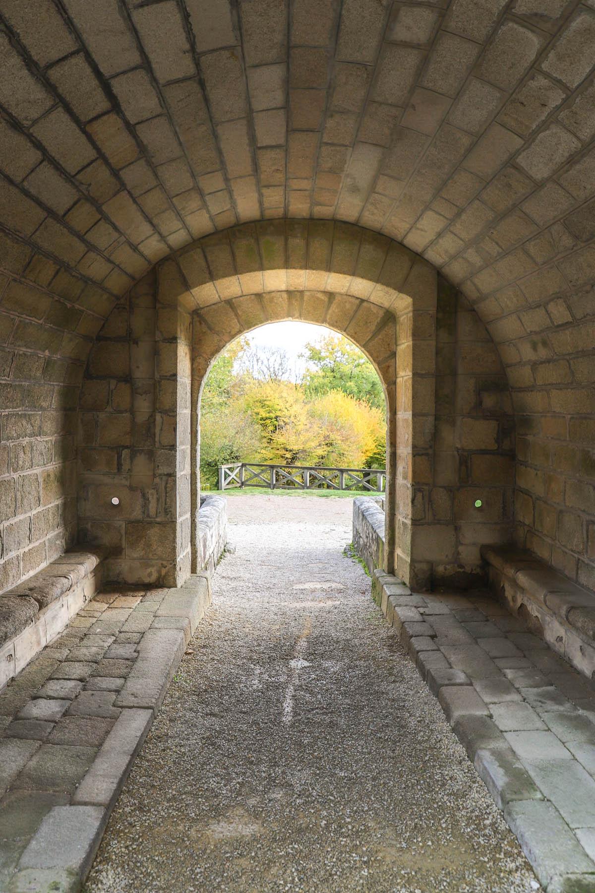 visiter-le-chateau-de-sedieres-Nouvelle-Aquitaine-France