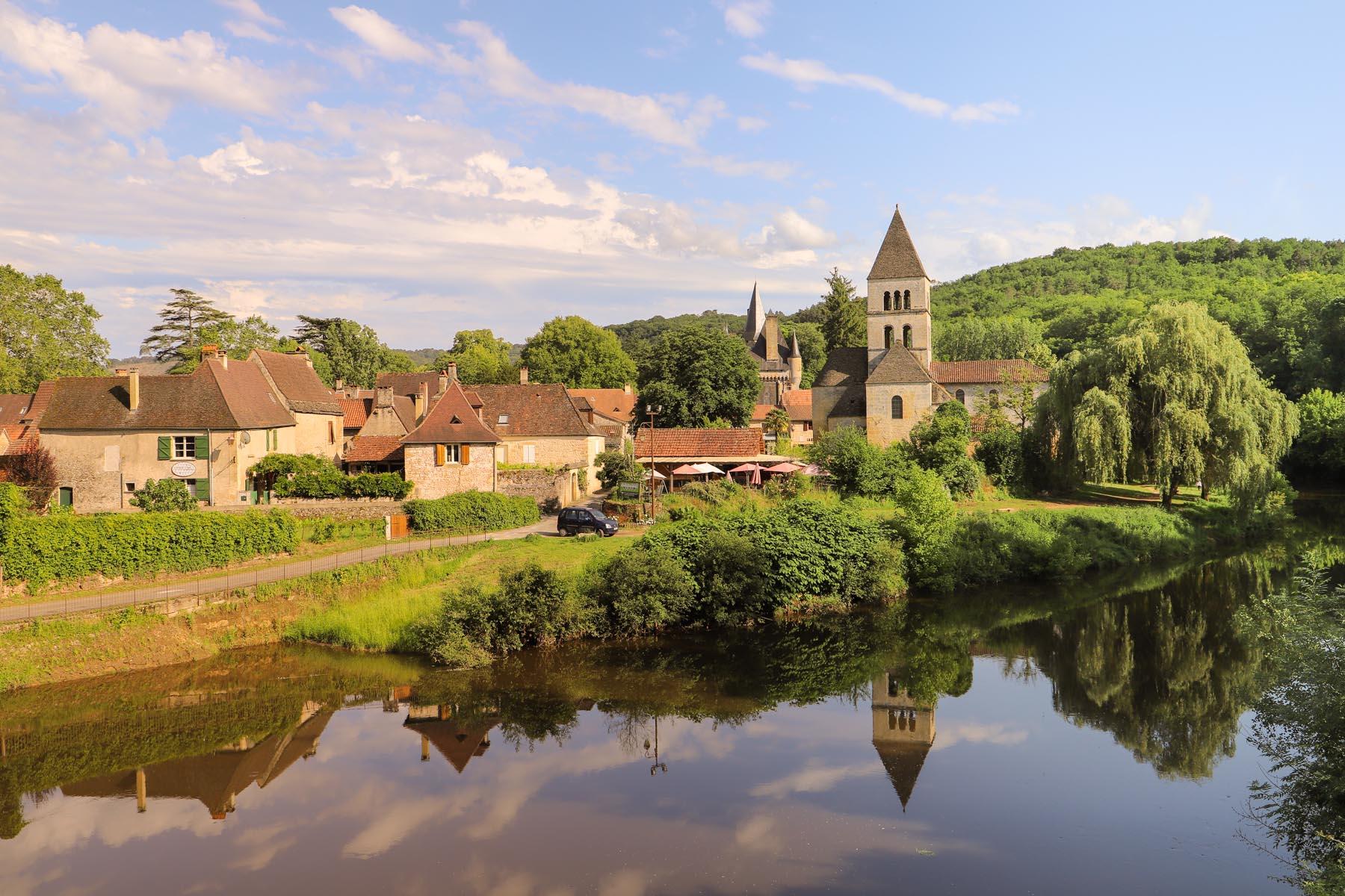 Visiter-Saint-Leon-Sur-Vezere-en-Dordogne