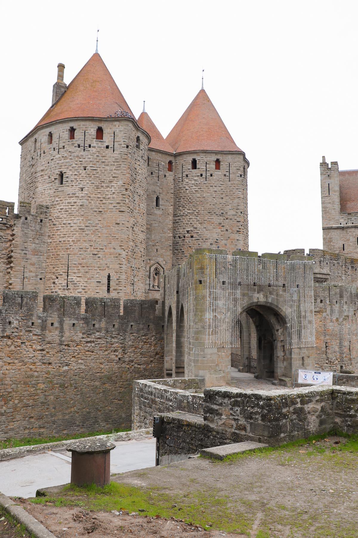 Porte-narbonnaise-cite-de-carcassonne