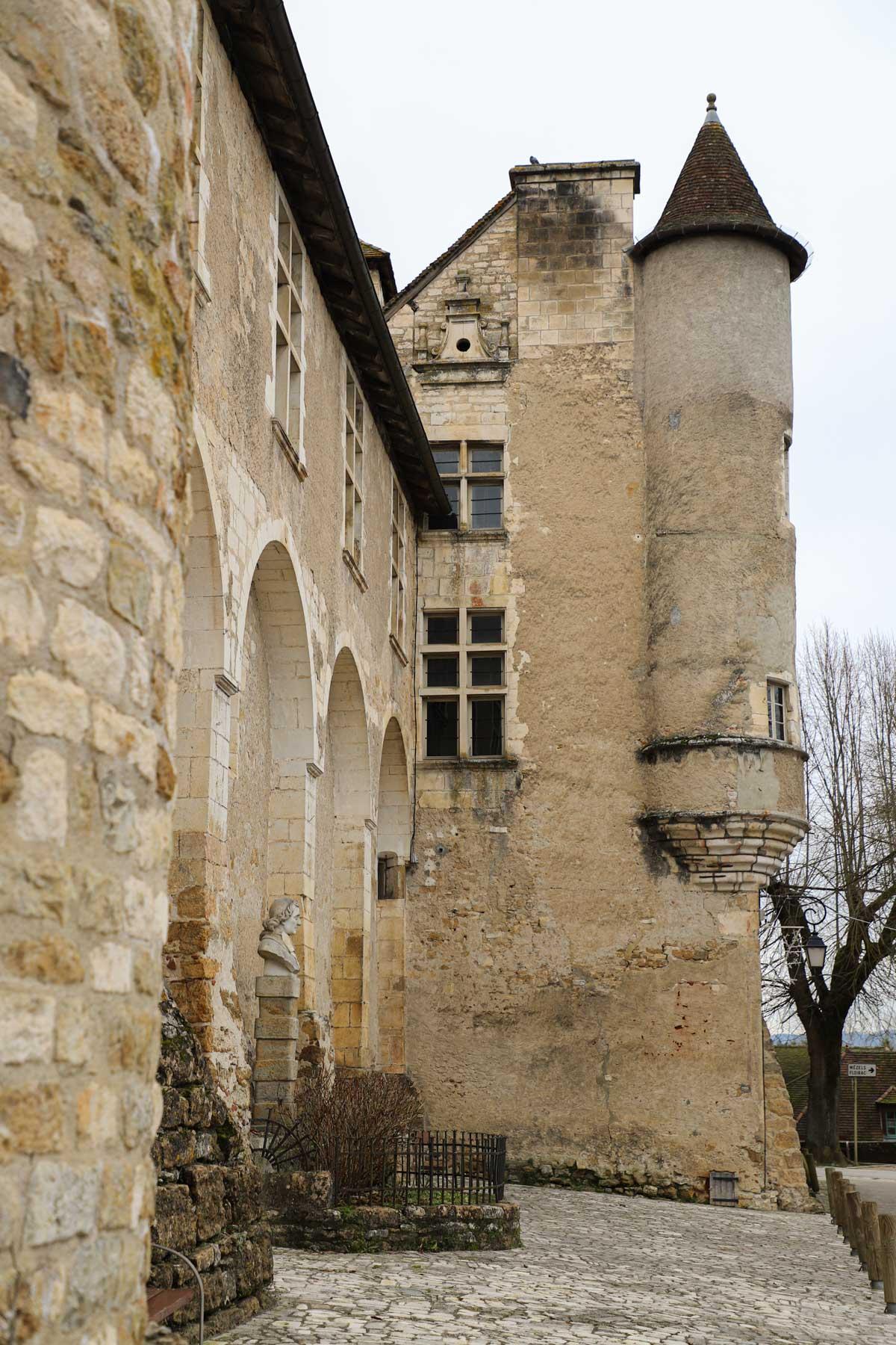 chateau-des-doyens-lot-occitanie