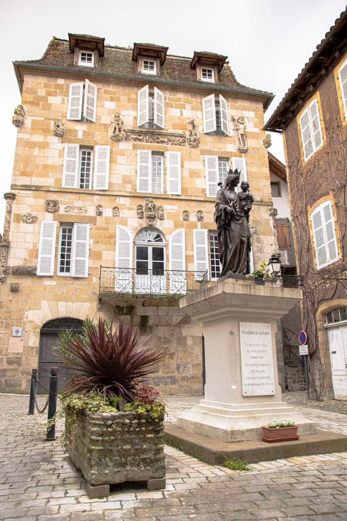 La-Maison-de-la-Renaissance-beaulieu-sur-dordogne
